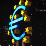Euro Symbol Fr0ankfurt - Tabrez Syed Euro Sign, Frankfurt - CC BY 2.0